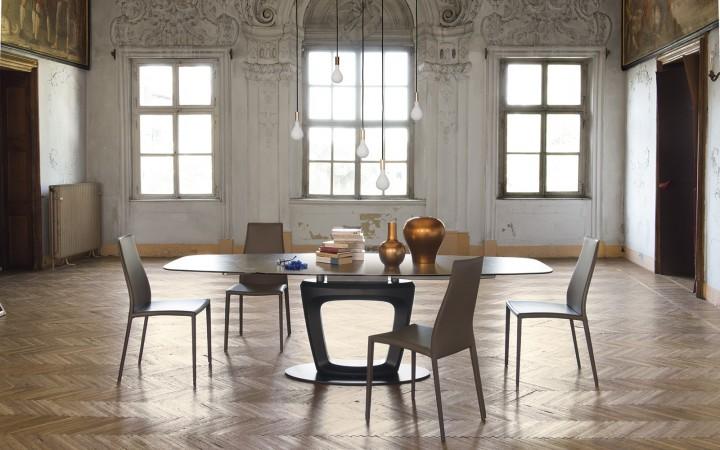Luxusní jídelna v minimalistickém stylu