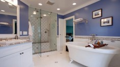 Modrá v koupelně trochu jinak
