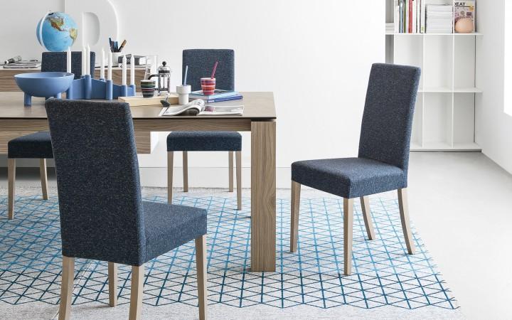 Židle Dolcevita v modrém provedení