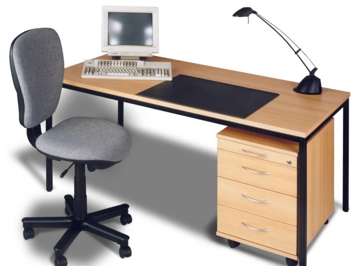 Kancelářský nábytek E-Line pro moderní pracovnu