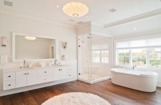 Moderní koupelna v bílé barvě