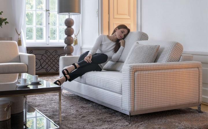 CAN-CAN – světlá textilní sedačka