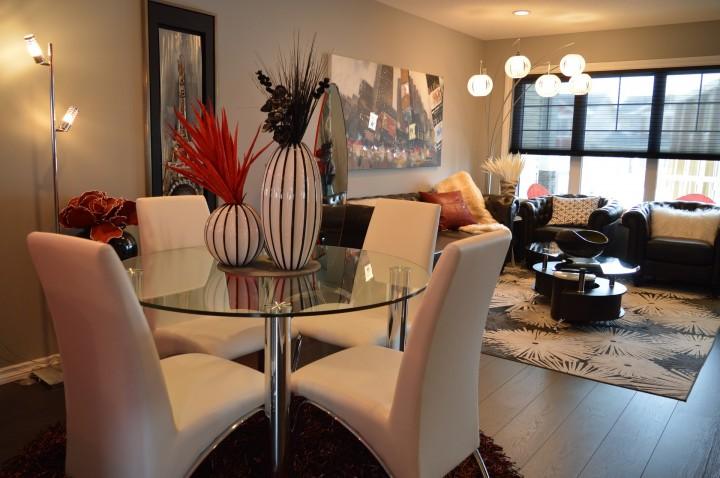 Jídelna spojená s obývací pokojem