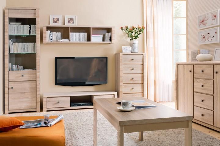 Obývací pokoj v oranžové barvě a přírodním stylu