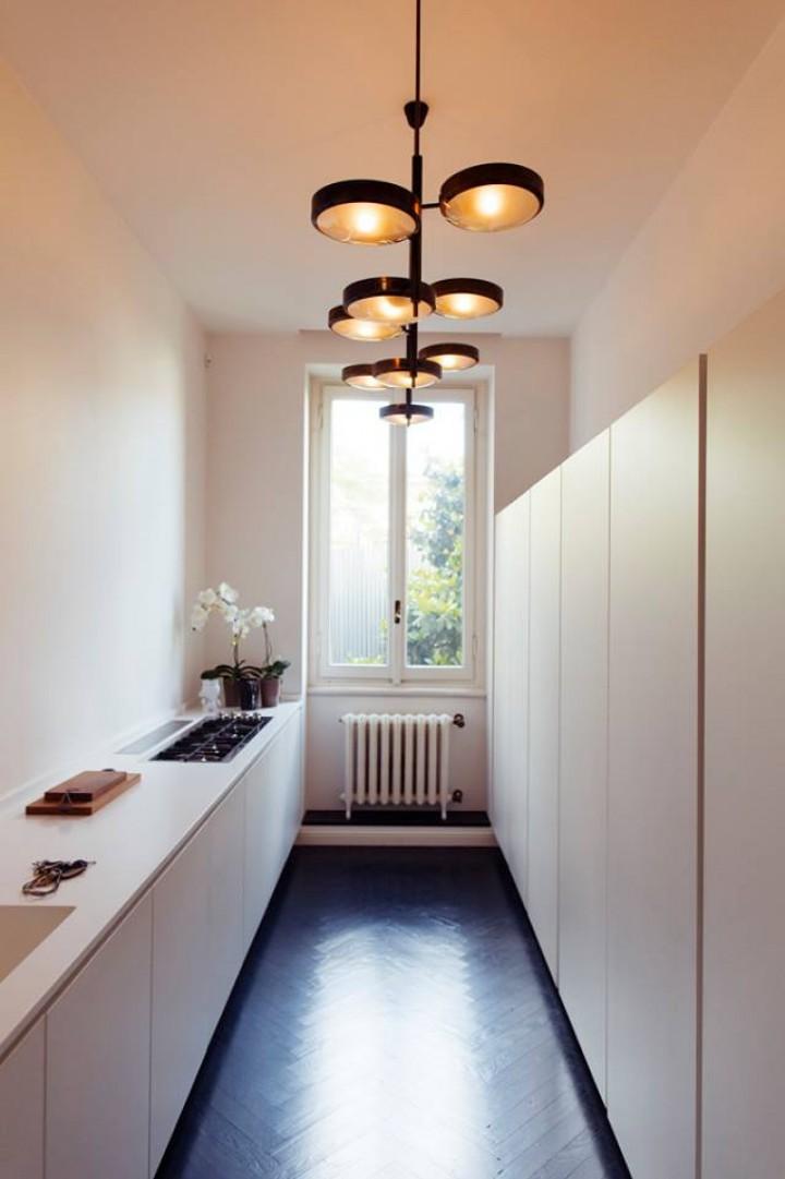 Úzká kuchyň pro Váš interiér