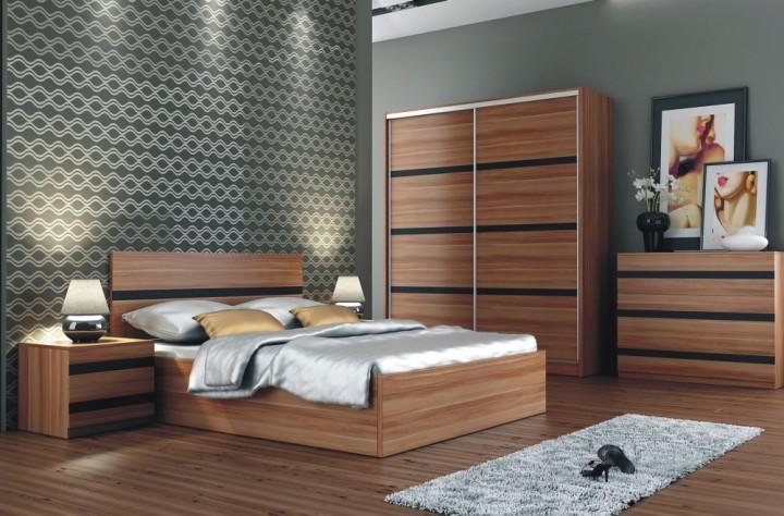 Ložnice v dekoru tmavého dřeva se zdobenými lištami