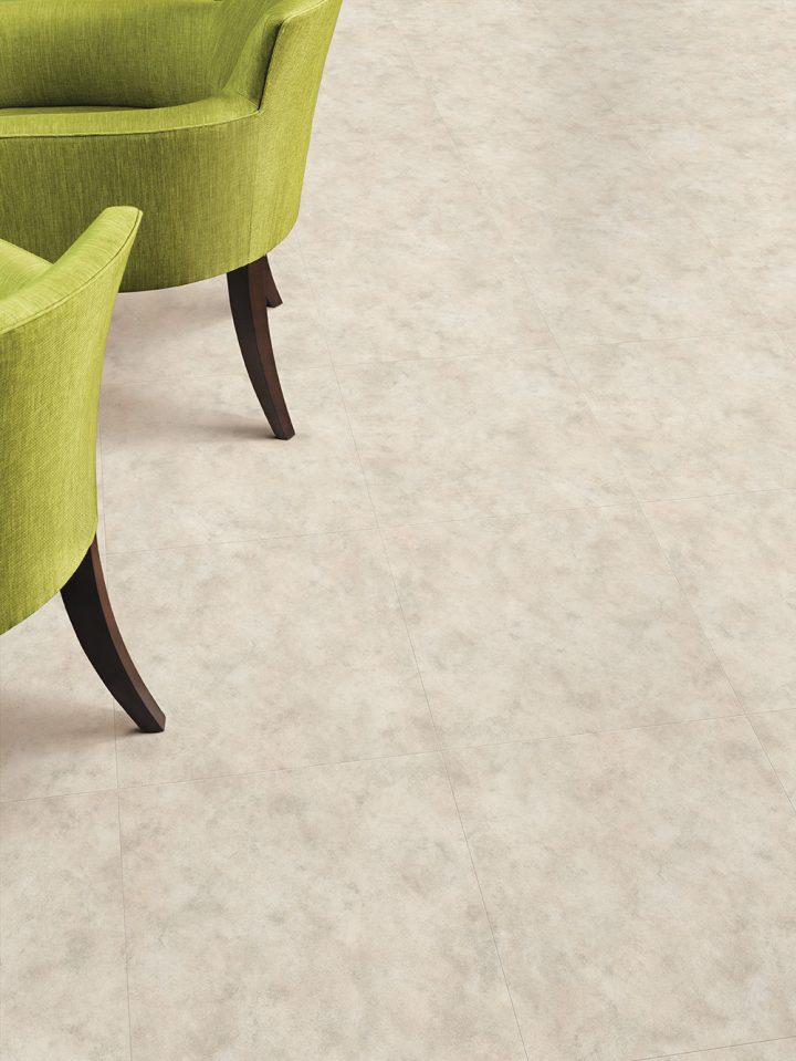 Lime Stone Cool – unikátní obývací pokoj s vinylovou podlahou