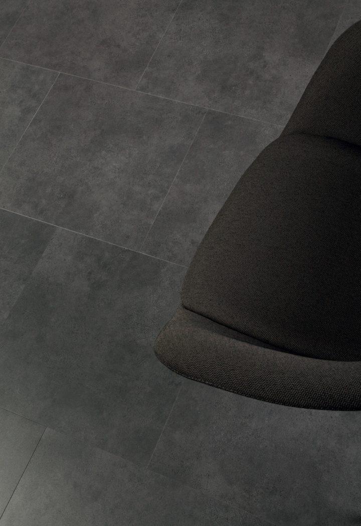 Moderní koupelna s podlahou Ceramic Flint