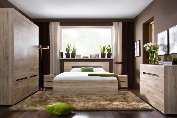 Moderní hnědá ložnice s dřevěným nábytkem