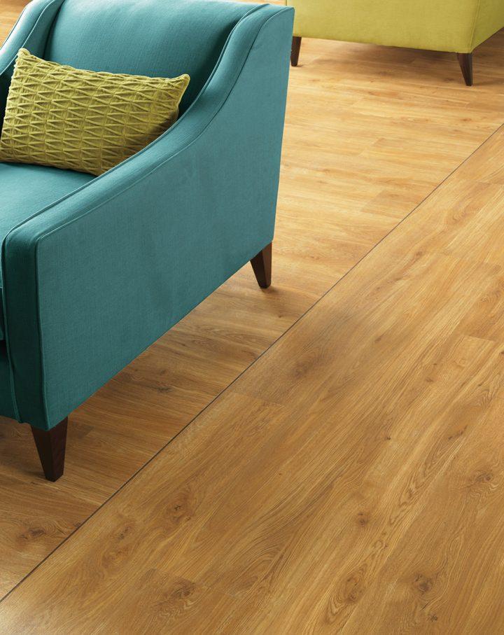 Retro pokoj s vinylovou podlahou Traditional Oak