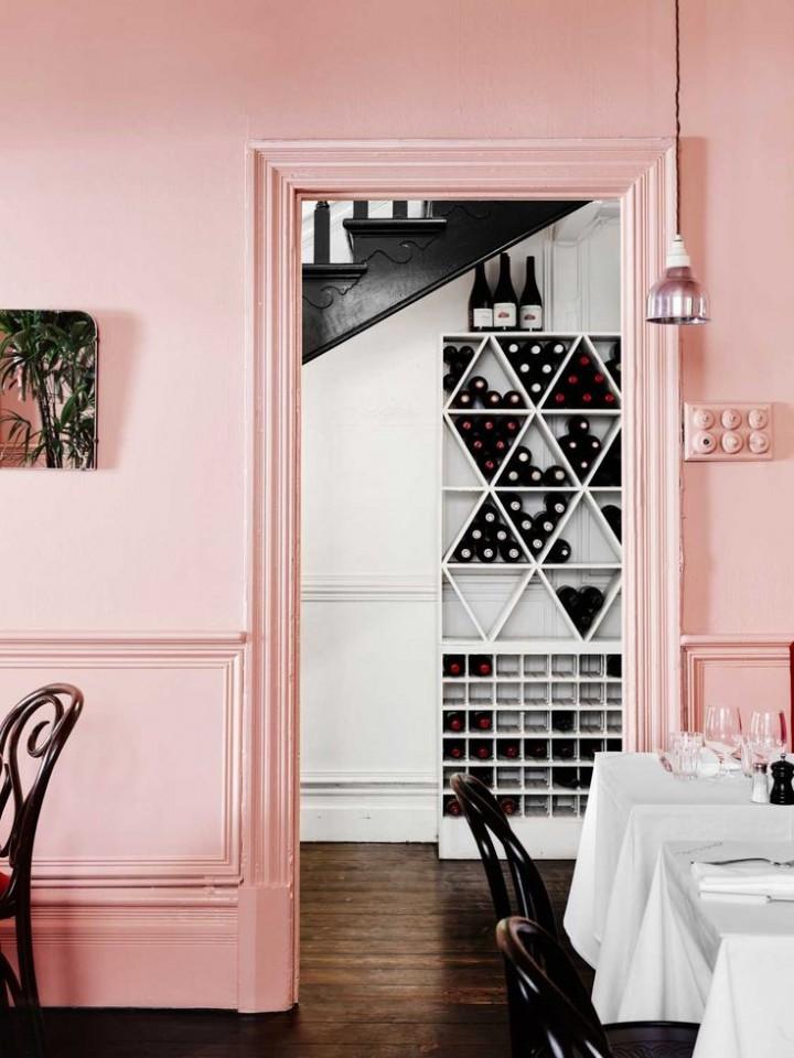 Růžová rozzáří interiér