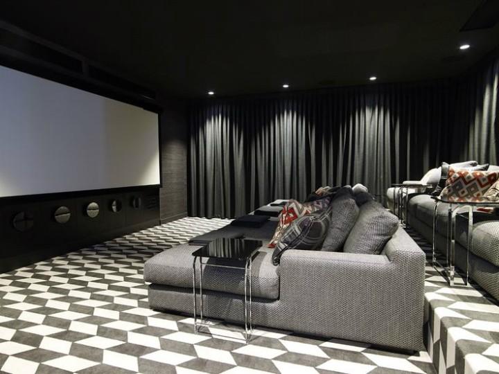 Elegantní kinosál