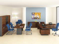 Modré židle v moderní kanceláři