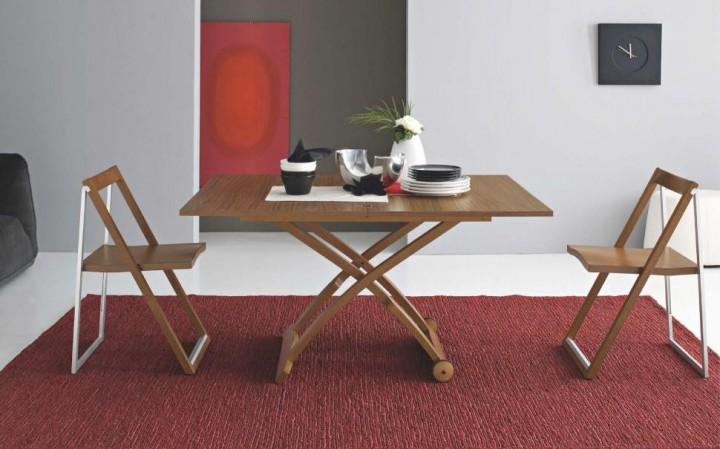 Jídelní stůl pro 2-4 osoby