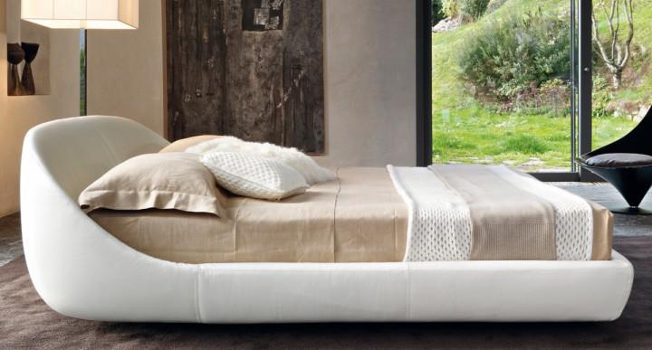Nevšední postel
