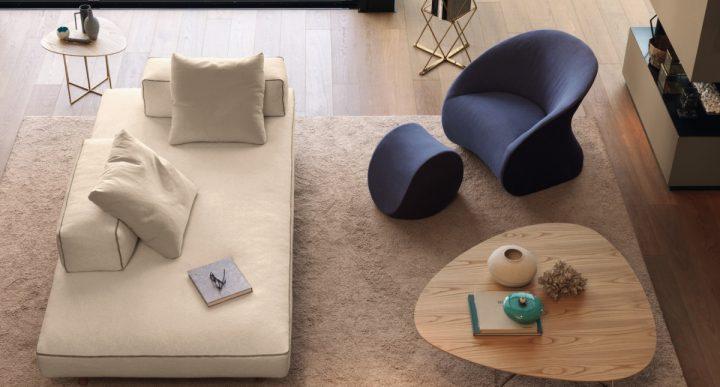 Barevné křeslo osvěží váš obývací pokoj