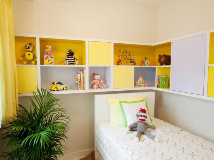 Praktická polička do dětského pokoje