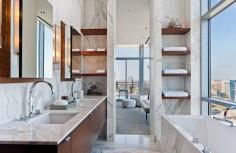 Úzká koupelna v moderním pojetí