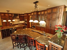 Prostorná kuchyně pro velkou rodinu