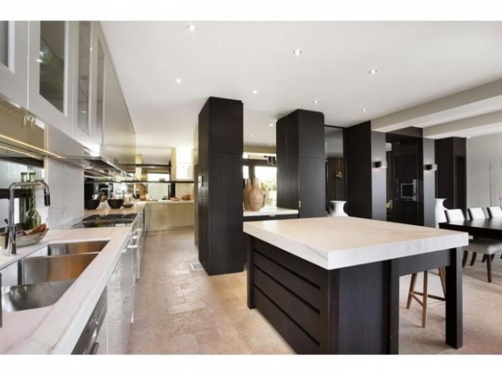 Kuchyň v černobílé
