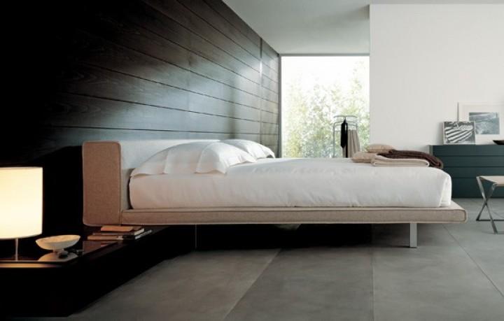 Jednoduchá postel s chytrými prvky