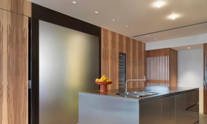 Kuchyňský ostrůvek z nerezu jako šperk vaší kuchyně