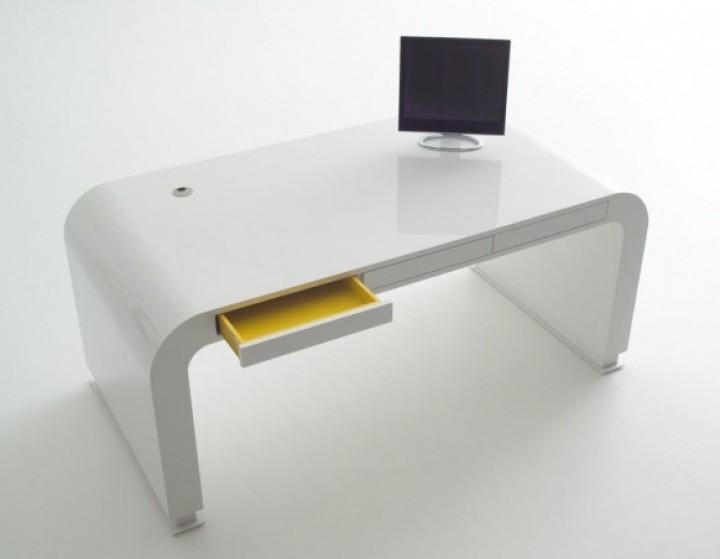 Pracovna v duchu minimalismu