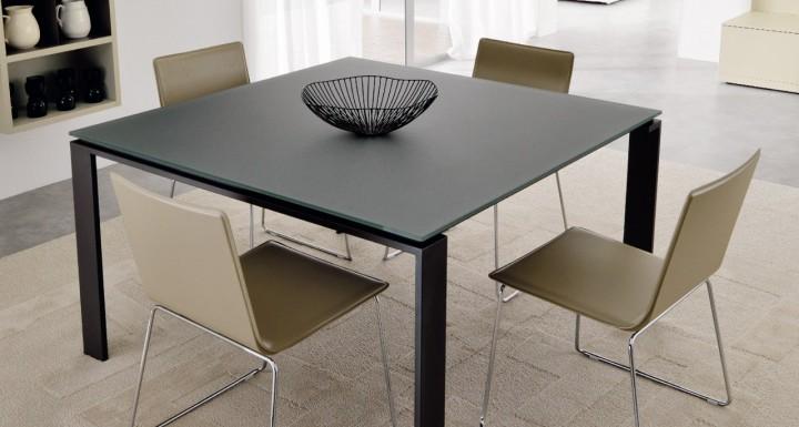Stůl s křesílky